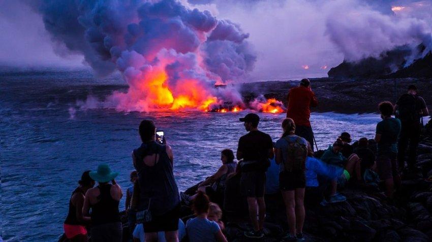 Подводный вулкан может выпускать огромные газовые пузыри