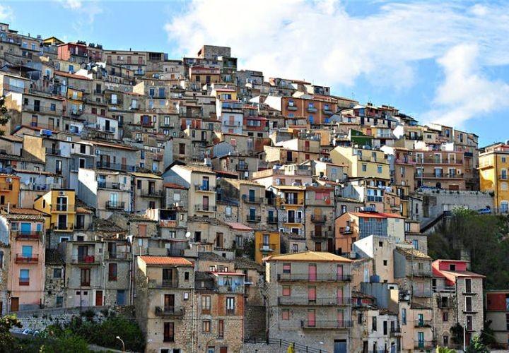 Сицилийские власти объявили о бесплатной раздаче домов