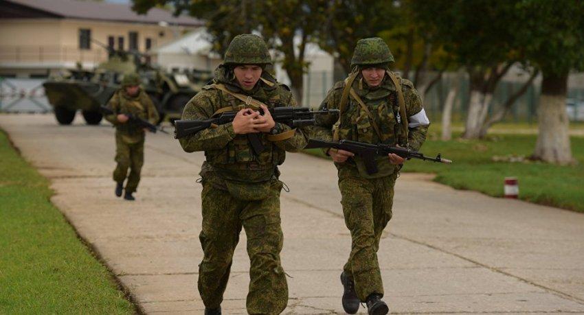 Зарплата контрактникам в армии России начисляется при учете нескольких факторов