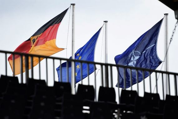 МИД Германии: рука НАТО остается протянутой в сторону России