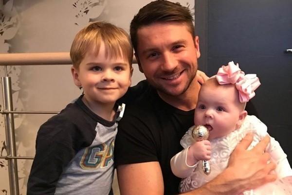 Сергей Лазарев рассказал о суррогатной матери своих детей