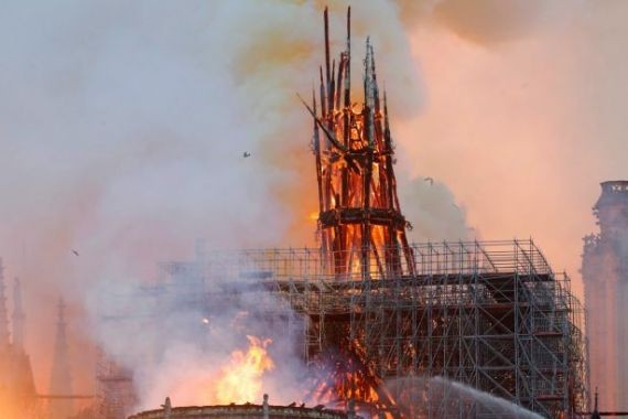 Предсказавший пожар в Нотр-Даме экстрасенс дал мрачный прогноз на 2020 год