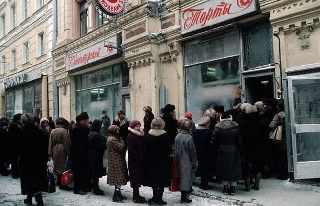К Новому Году в СССР готовились еще летом. Фотоподборка