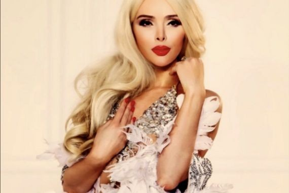 Алена Кравец хочет восстановить девственность