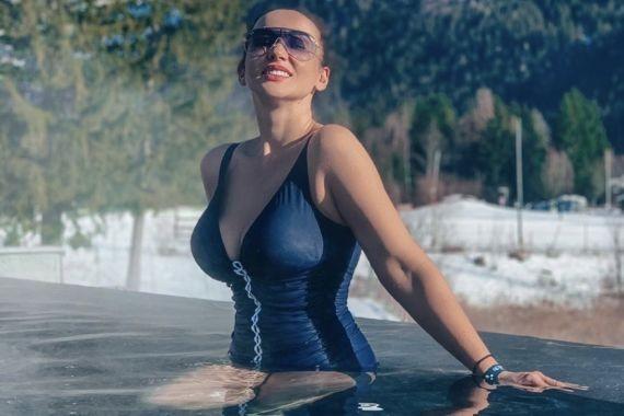 Полуголая Анфиса Чехова рассказала, каких мужчин она предпочитает