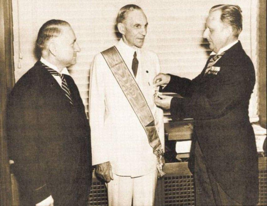 Кто был главным спонсором Гитлера и создал Третий Рейх?