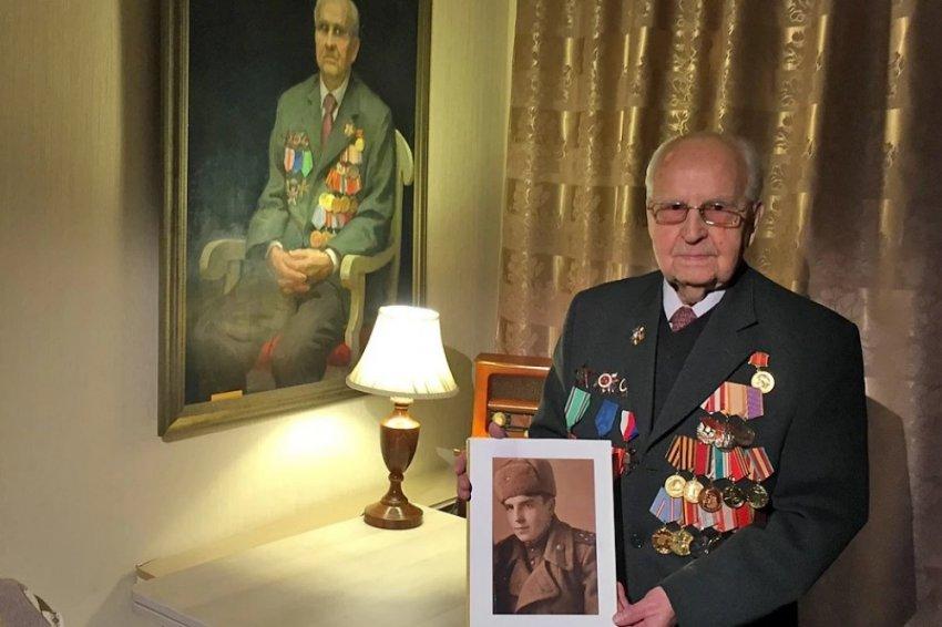 Последний живой освободитель Освенцима: как поляки разлюбили спасших их красноармейцев