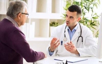 Врачи рассказали, почему мужчины чаще женщин болеют раком