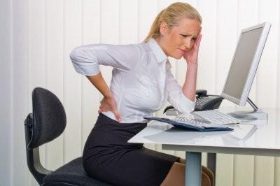 Мануальный терапевт рассказал, как сохранить осанку при сидячей работе