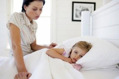 Врач рассказал, почему у детей после ОРВИ и гриппа могут болеть ноги