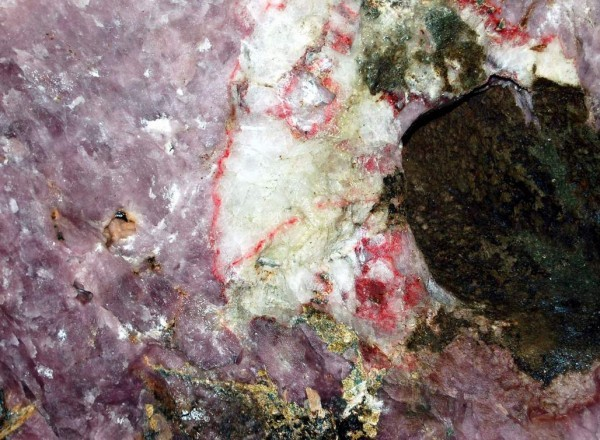 Заброшенный умбоозерский рудник и следы высокоразвитой цивилизации