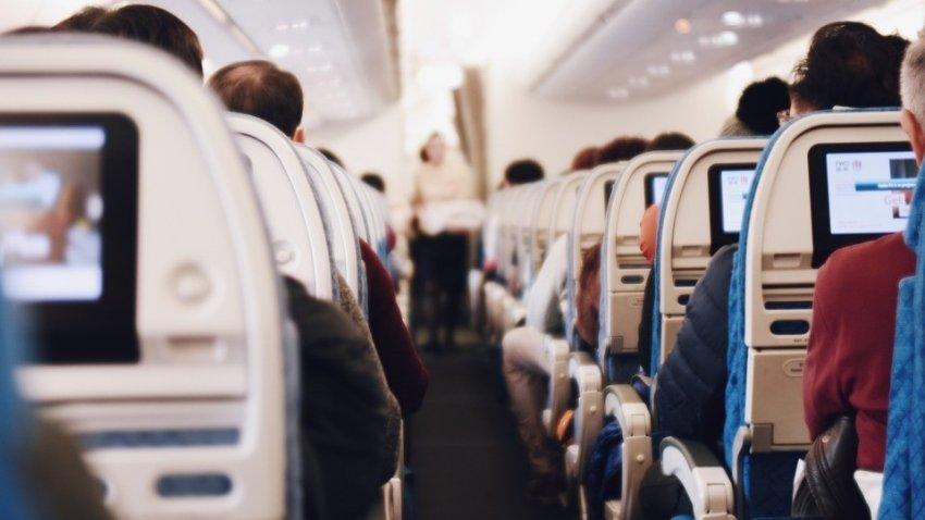 Зараженные коронавирусом американцы летели в США вместе со здоровыми людьми