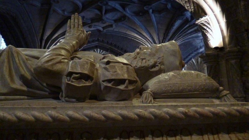 В Риме открыли саркофаг Ромула, сына бога Марса