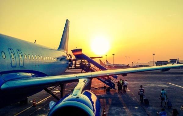 Россия из-за коронавируса отменяет авиарейсы в Европу