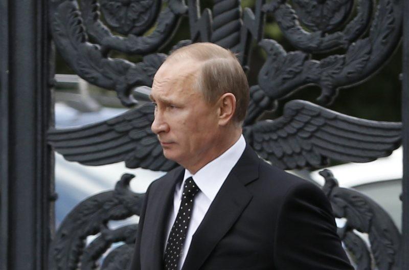Владимир Путин сделал определение среднего класса в России в интервью ТАСС