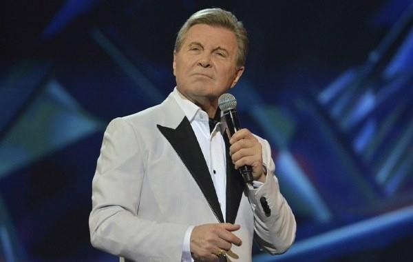 Врачи затрудняются в лечении Льва Лещенко от коронавируса