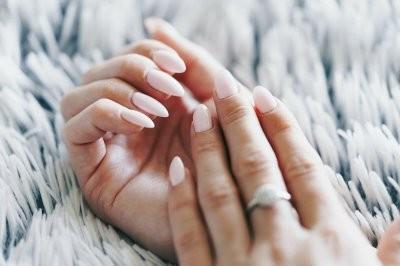 Зарубежные медики рассказали, на что указывают постоянно холодные руки и ноги