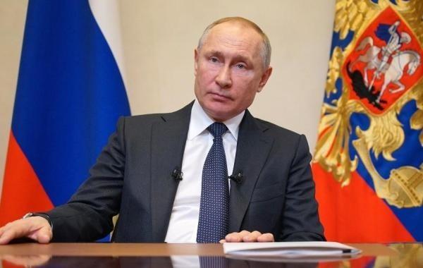 Путин сделал весь апрель нерабочим с оговоркой