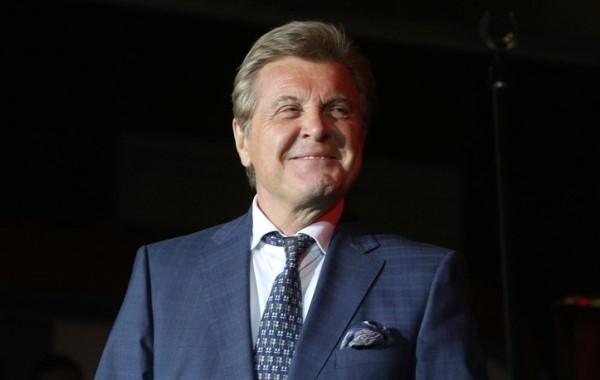 Лещенко обвинил Малахова в нарушении самоизоляции