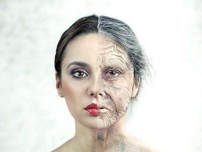 Врач назвала гормоны, из-за которых женщины стареют раньше времени