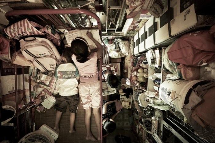 Суровые улии китайских многоэтажек площадью 2 квадратных метра