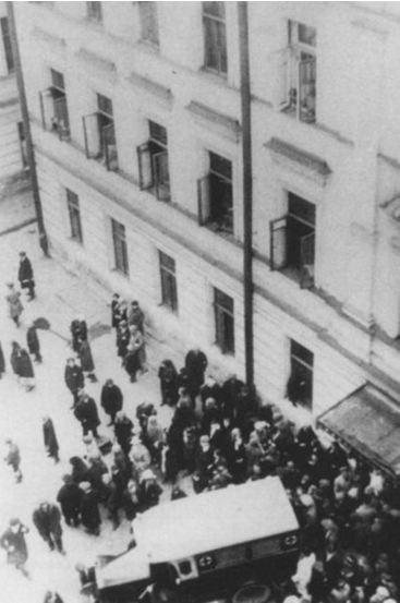 Самоубийство Маяковского оказалось случайным выстрелом