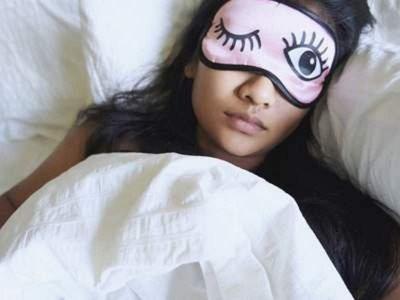 Офтальмолог рассказал, на какие недуги может указывать сон с открытыми глазами