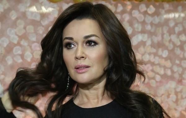 Анастасия Заворотнюк планомерно восстанавливается