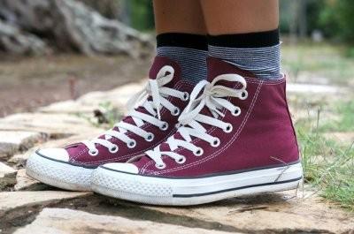 Ортопед объяснил, почему болят ноги от обуви без каблука