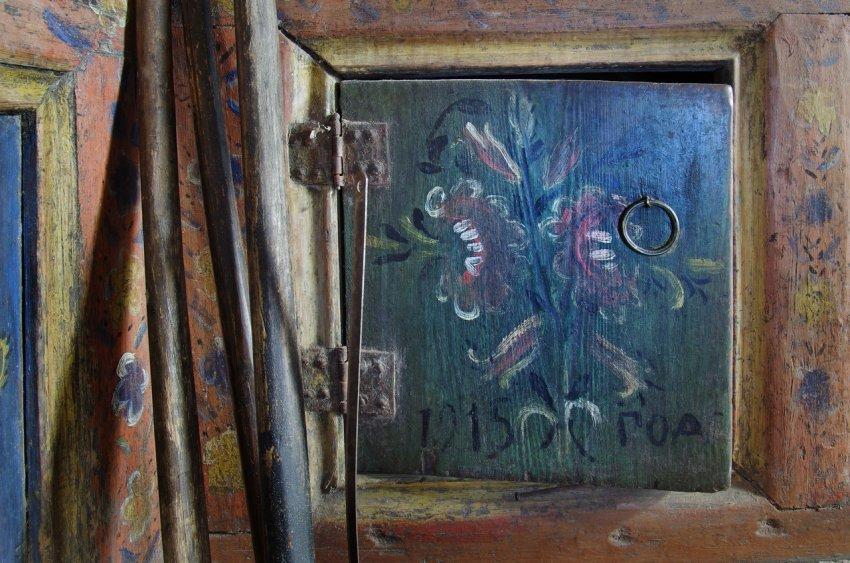 Как крестьяне северной Руси расписывали интерьеры домов?