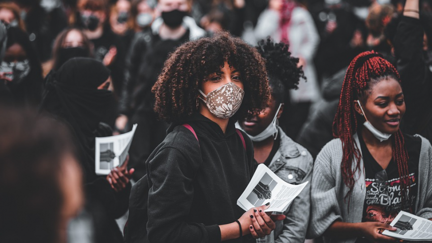 Ученые предрекли человечеству мрачное будущее: грядет демографическая катастрофа