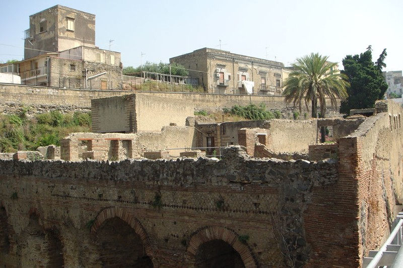 Искатели древних артефактов и возникновение археологии