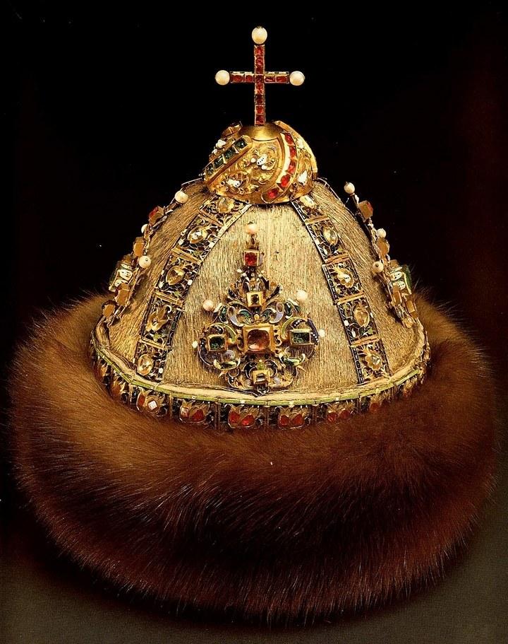 Венцы и короны: что носили русские правители