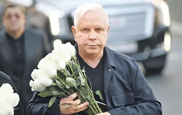 Друг рассказал о самочувствии певца Бориса Моисеева