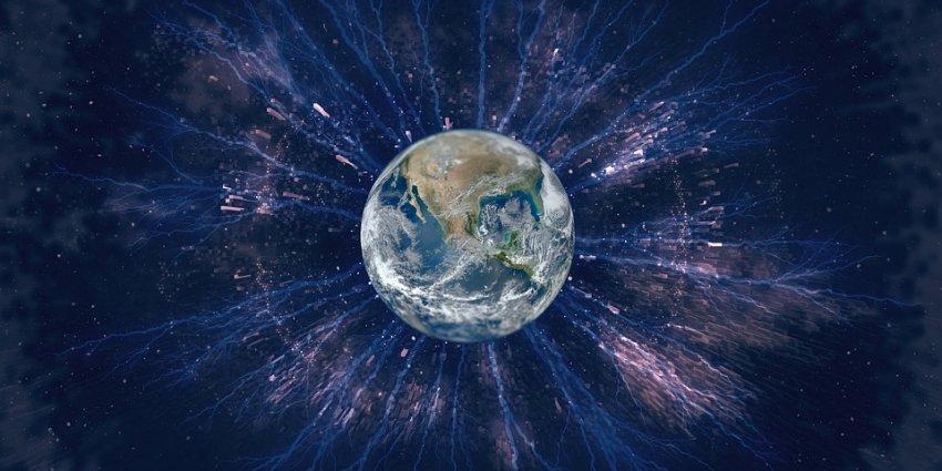 Полюса Земли вскоре поменяются местами, а магнитное поле ослабнет: ученые представили пугающий прогноз