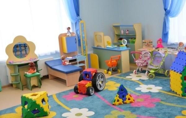 В российских регионах начали закрывать на карантин детские сады