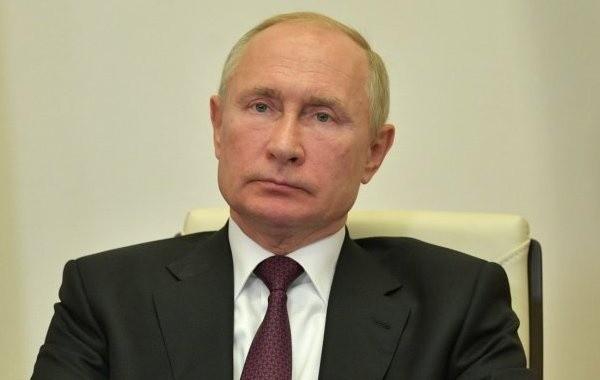 В Кремле объяснили, почему Путин не прививается от коронавируса