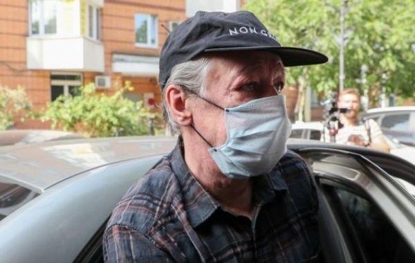 Михаил Ефремов отказался давать жене доверенность на банковскую ячейку