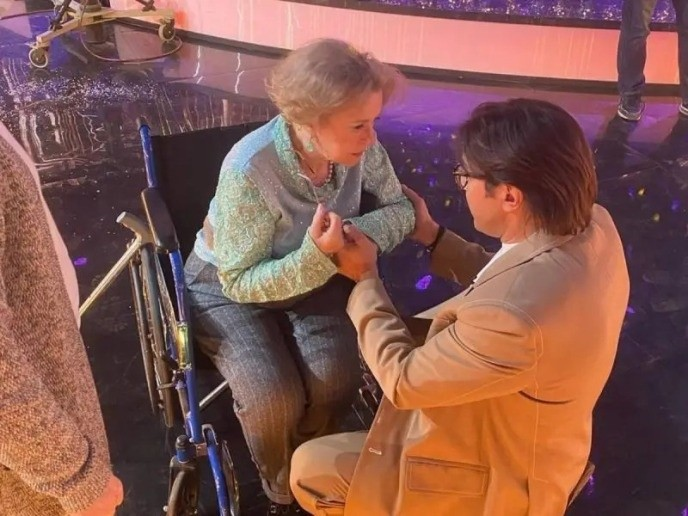 Валентина Талызина встала с инвалидной коляски ради песни