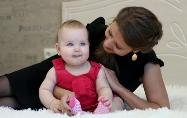 Россиянам разъяснили порядок получения детских пособий в январе