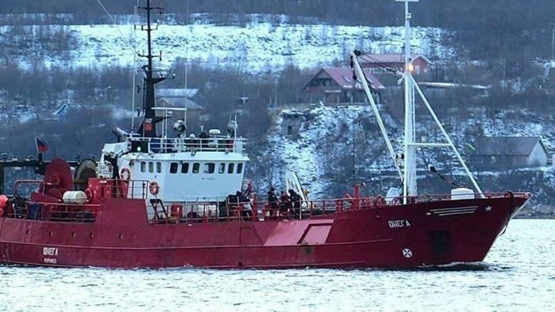 Стали известны фамилии пропавших рыбаков из затонувшей возле Мурманска «Онеги»