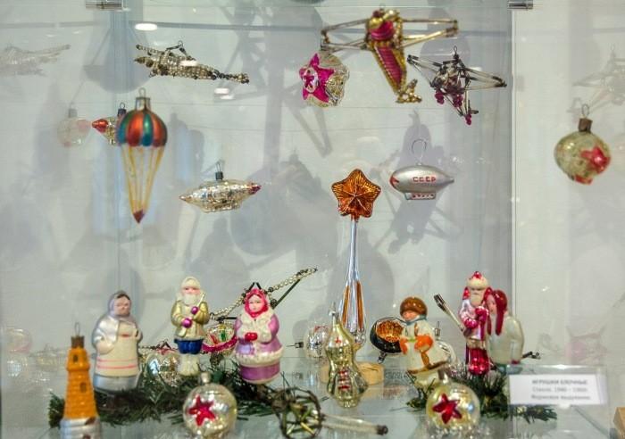 Стоимость старых новогодних игрушек из СССР зависит от многих особенностей