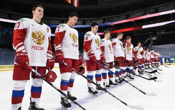 Молодежная сборная России по хоккею проиграла Канаде