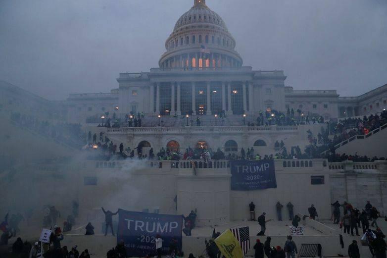 Вашингтон стал центром насилия и массовых беспорядков
