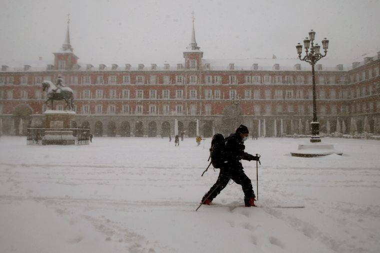 Мадрид засыпало снегом после шторма Филомена 9 января 2020 года