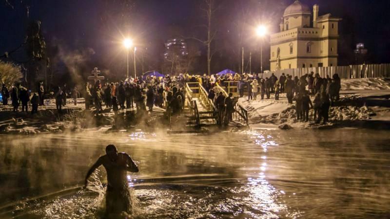 В Москве организацию места для купания на Крещение в 2021 году