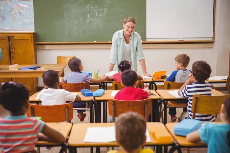 Зарплаты учителей в России могут пересмотреть в 2021 году