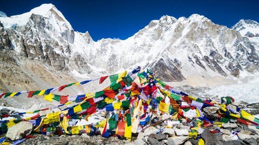 Эверест: почему люди рискуют своей жизнью?