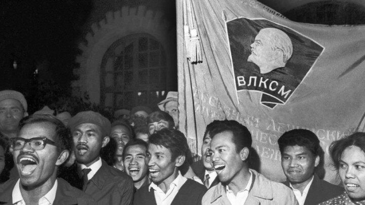 Обучение иностранцев в СССР: интернационализм или политика
