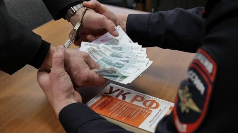 Взятки губернаторов России: как рядовых чиновников уличали в коррупции